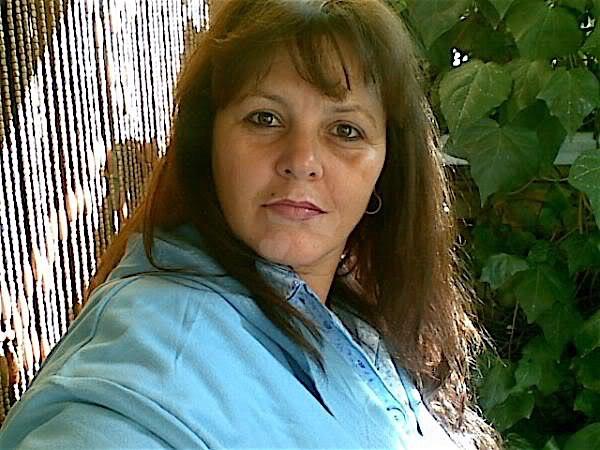 Angela37 (37) aus dem Kanton Aargau