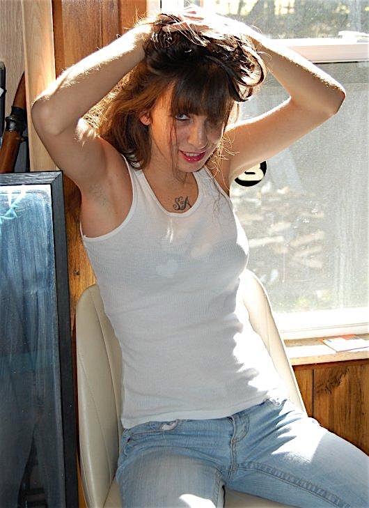 Anni-zh (26) aus dem Kanton Zurich