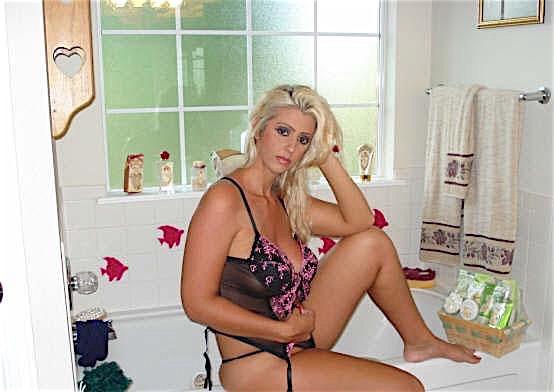 Christina30 (30) aus dem Kanton Zurich