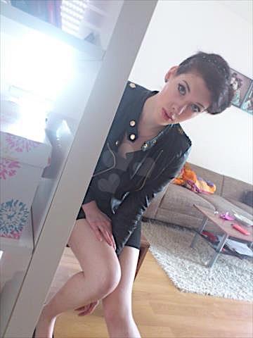 Emilia25 (25) aus dem Kanton Bern