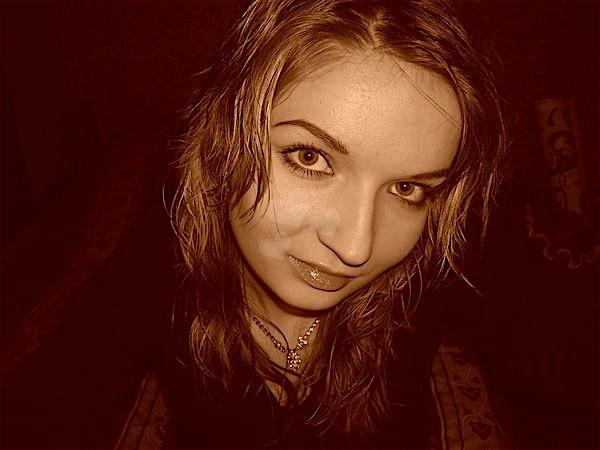 Janina20 (20) aus dem Kanton Basel-Stadt