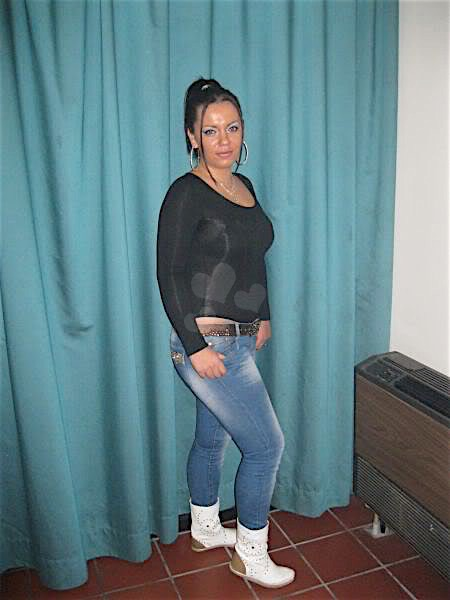 Janita28 (28) aus dem Kanton Bern