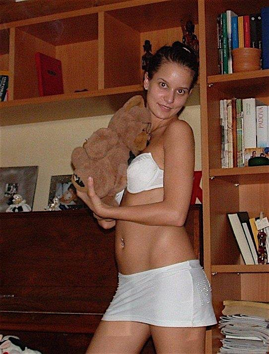 Leandra25 (25) aus dem Kanton Basel