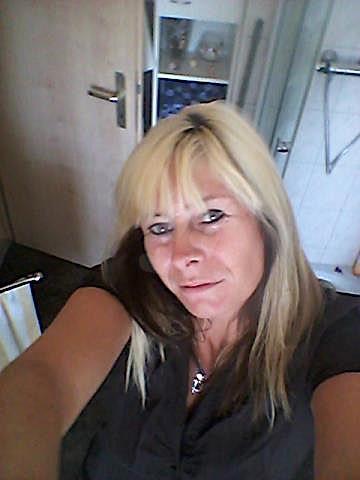 Muriel43 (43) aus dem Kanton Freiburg