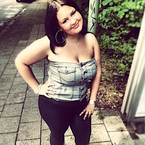 Shortnina (23) aus dem Kanton Aargau