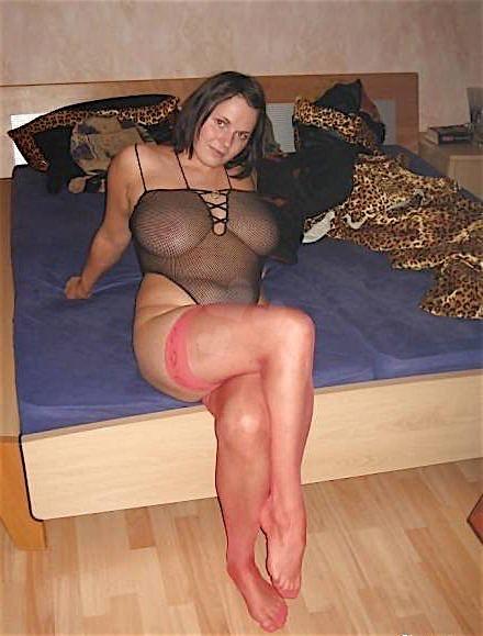 голая толстая девушка в чулках частные фото