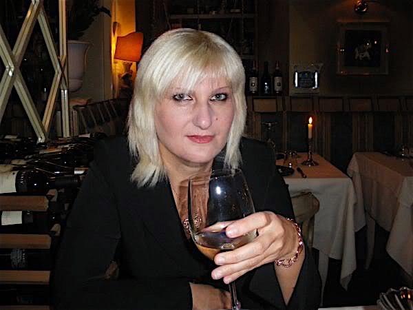 Agathe42 (42) aus dem Kanton Basel-Land