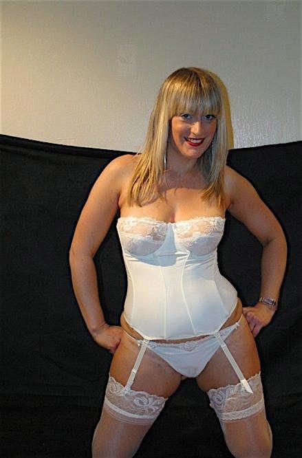 Amanda30 (30) aus dem Kanton Basel