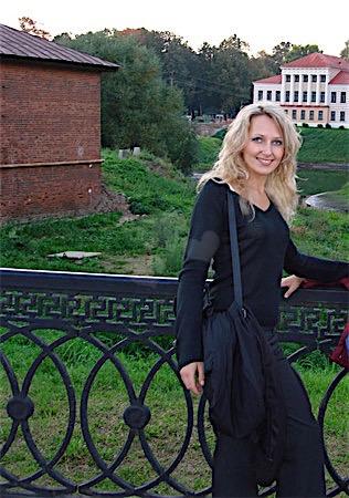 Anni27 (27) aus Niederösterreich