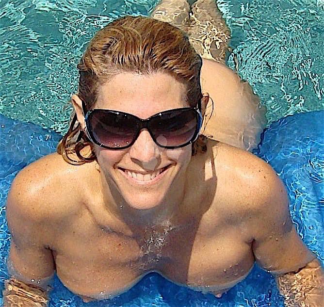 Bitchdeluxe (33) aus dem Kanton Bern