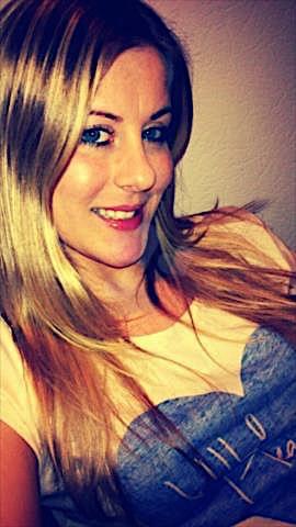 Camilla25 (25) aus dem Kanton Zürich
