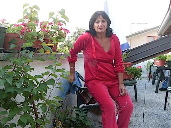 Elke32 (32) aus dem Kanton Graubünden