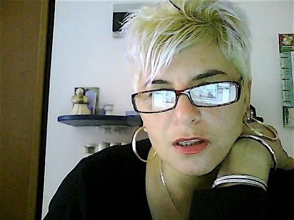 Emilie34 (34) aus dem Kanton Zürich