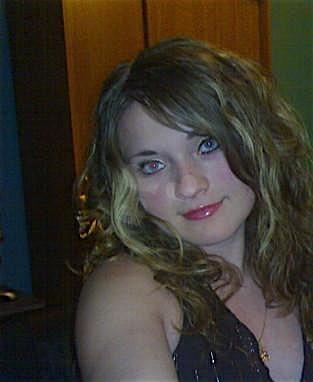 Hanni (25) aus dem Kanton Zurich
