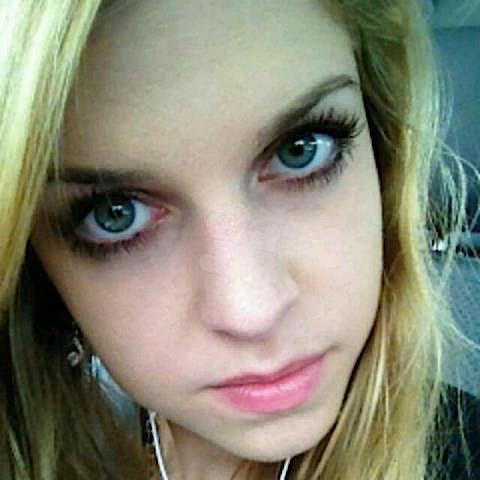 Heidi21 (21) aus dem Kanton St-Gallen