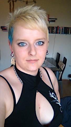 Irene29 (29) aus dem Kanton Schwyz