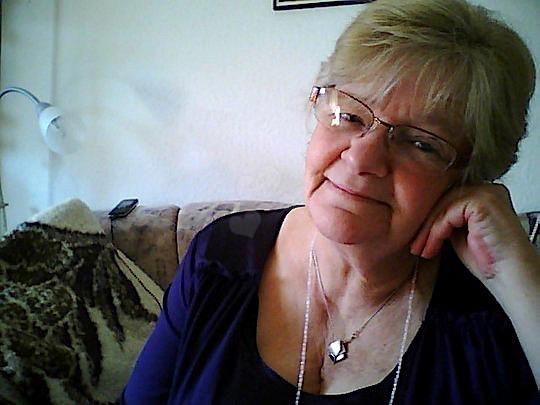 Irmgard71 (71) aus dem Kanton Aargau