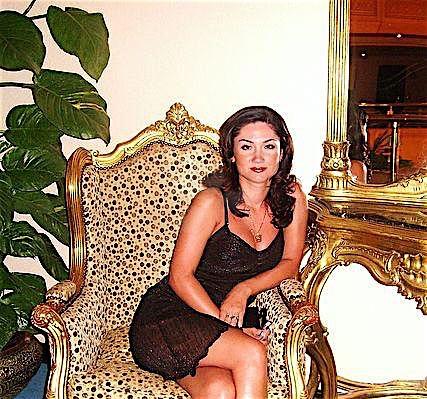Janet (30) aus dem Kanton Basel-Stadt