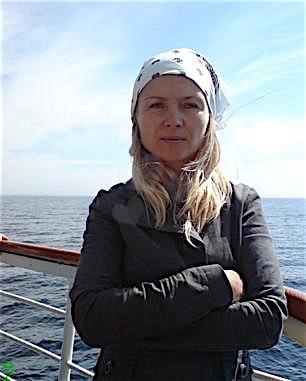 Janine28 (28) aus dem Kanton Basel