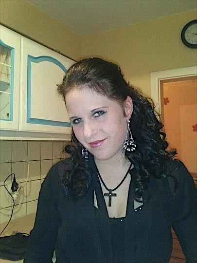 Joena (25) aus dem Kanton Luzern