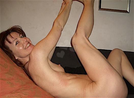 Julia25 (25) aus dem Kanton Bern