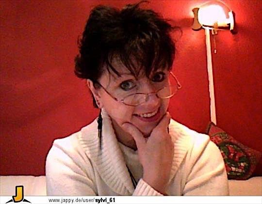 Julia47 (47) aus dem Kanton Bern