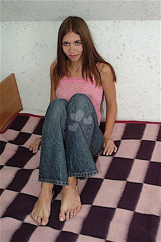 Kleinesmaedchen (21) aus dem Kanton Bern