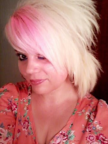 Larissa24 (24) aus dem Kanton Zürich