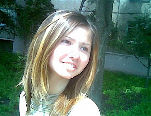 Leonie22 (22) aus dem Kanton Aargau