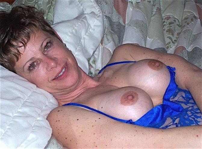 Leonore (46) aus dem Kanton Zurich