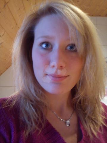Lina25be (25) aus dem Kanton Bern