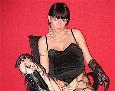 Maja (33) aus dem Kanton Zurich