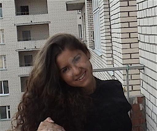 Melanie24 (24) aus dem Kanton Luzern