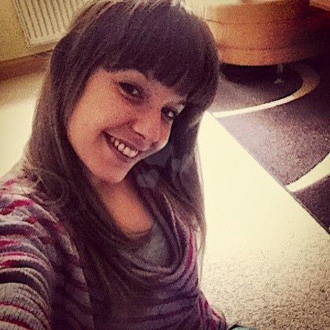 Melina27 (27) aus dem Kanton Bern