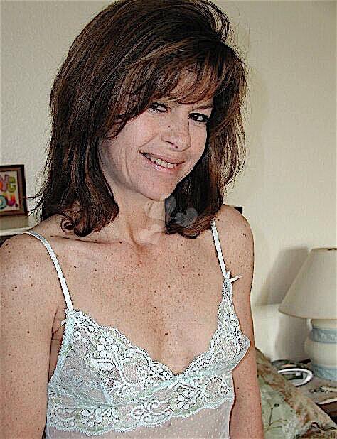 Monique35 (35) aus dem Kanton Aargau