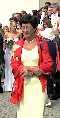Omatrude (57) aus dem Kanton Bern