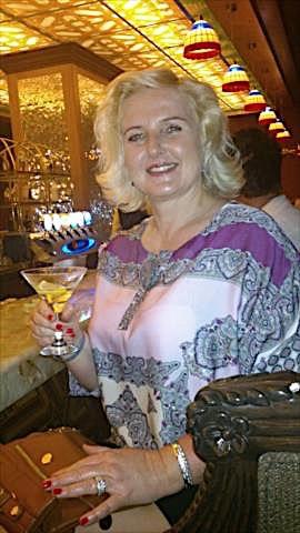Pierrette (45) aus dem Kanton Basel-Stadt