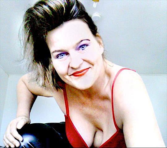 Redwoman (38) aus dem Kanton Aargau