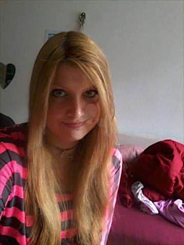 Rosalie22 (22) aus dem Kanton Bern