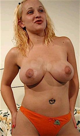 32-jährige Blondine ist fickrig