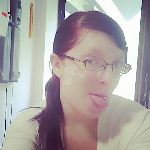 Streberkatja (24) aus dem Kanton Bern