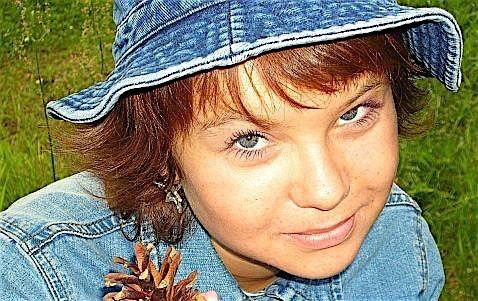 Tina22 (22) aus dem Kanton Wien