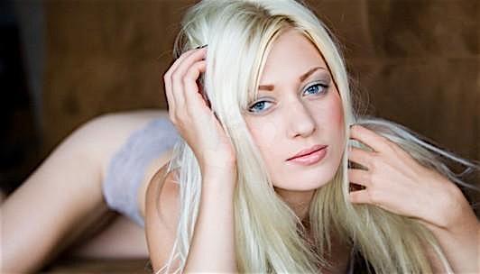 Vicky (26) aus dem Kanton Geneva