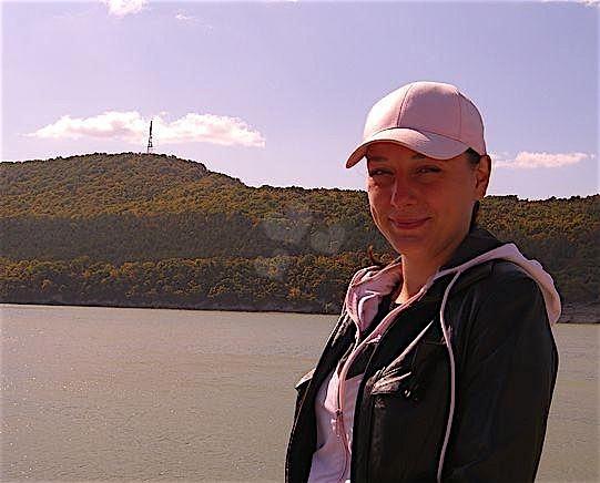Xara (27) aus dem Kanton Oberösterreich